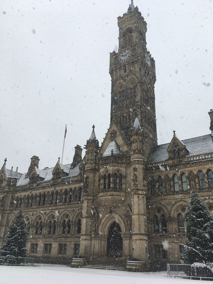 It's snowing in the City of #Bradford #Yorkshire