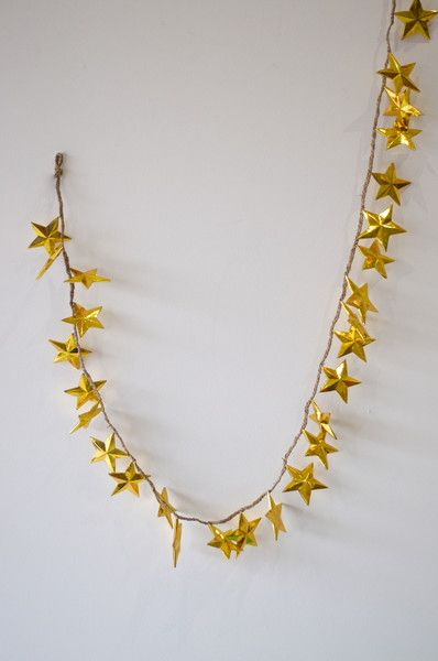 METALLIC GOLD STAR STRAND