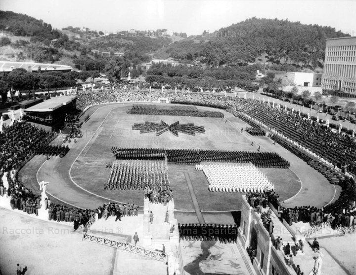 Manifestazione al Foro Italico. Stadio dei Marmi Anno: 1956