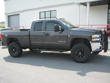 Owner PlaceTN, US Chevy Model2500 EngineDiesel Year2011 TiresNitto Trail Grappler 295/70R17 WheelsXD Addict Black 17x9 +18 Description2011 Chevy 2500HD, Zone Offroad Leveling Kit, XD Addict Black 17x9 +18, Nitto Trail Grappler 295/70R17, Ranch Hand Front Grill Guard