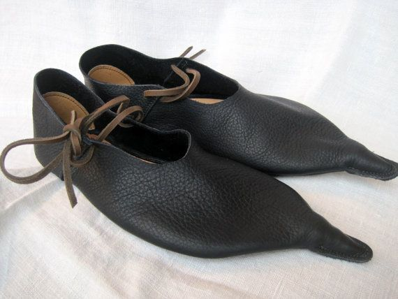 Pointed Leather Medieval Shoes