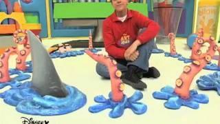 Så roligt och enkelt. Art Attack - Shark Fin, via YouTube.