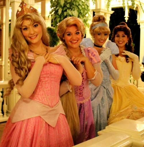 The princesses love to wave goodnight to the kingdom.