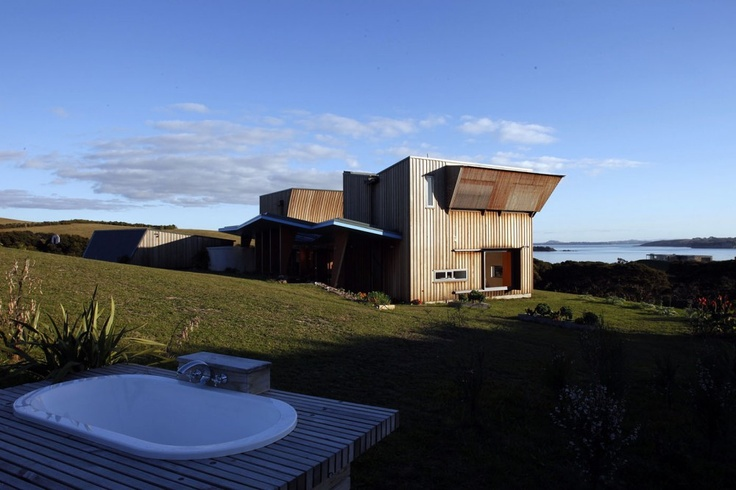 Waiheke Island House | Cable Bay, Waiheke Island, New Zealand | Mitchell and Stout Architects | photo by Patrick Reynolds