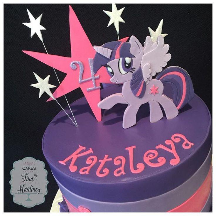 My Little Pony cake with handmade Twilight Sparkle cake topper #cake #customcakes #fondantcake #mylittlepony #mylittleponycake #twilightsparkle #handmade #caketopper #twilightsparklecake #pinkandpurple #twilightsparklecaketopper #cakesagram #instacake #cakesbytinamartinez