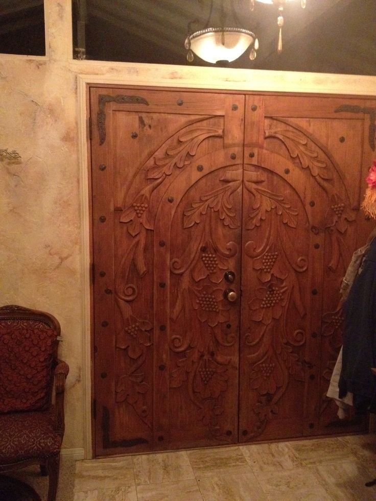 1000 images about front door ideas on pinterest doors for Amazing hand carved doors