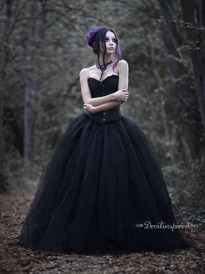 Best 25 Black gothic dress ideas on Pinterest  Goth