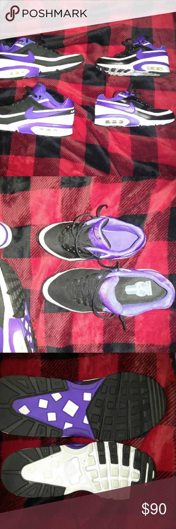 Nike Air Max's His and her's Nike Air Max's only worn twice. Not messed up at all. Nike Shoes