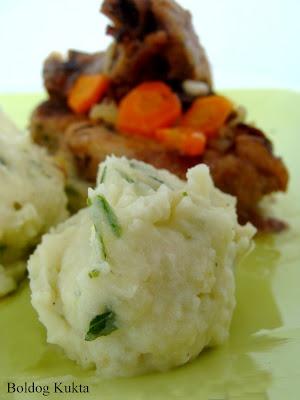 Boros pác seréshúshoz és fokhagymás krumplipüré- MARINADE AU VIN & PURÉE DE POMMES DE TERRE Á L' AIL  http://www.boldogkukta.blogspot.hu/2012/05/julia-child-13-es-14-recept-boros-pac.html