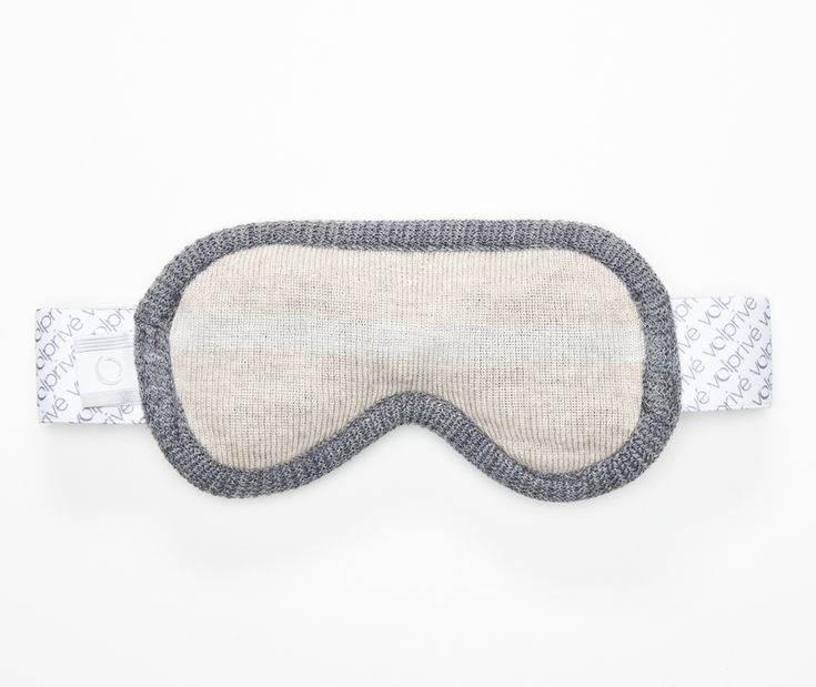 Volprivé MÉDITATION eye mask from the Genève collection.  Comes with a removable beads filled pad and its adjustable strap for a perfect comfort and light blocking effect.