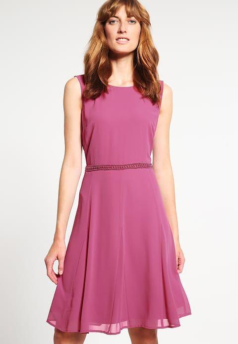 s.Oliver Cocktailkleid / festliches Kleid - fuchsia pink für 97,95 € (11.02.17) versandkostenfrei bei Zalando bestellen.