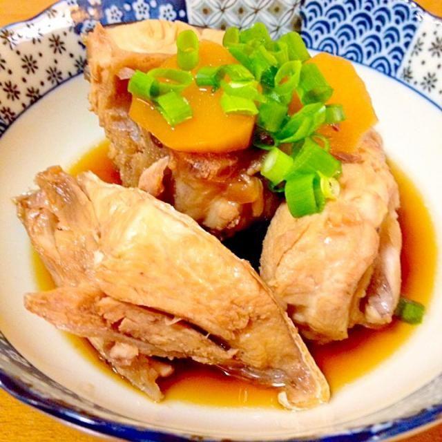 愛媛県産の天然の鰤のあらを売っていたので、昨日の投稿を見て食べたかったので作って食べました。 - 109件のもぐもぐ - 天然鰤のあら煮 by まいり