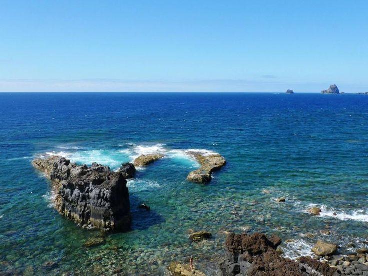 El Hierro, la più a sud ovest delle isole Canarie, regala un mare pulito e ospitalità all'insegna dell'ecologia