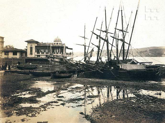 Beşiktaş İskelesi. Beşiktaş, İstanbul. Tek Aile Arşivi (Suha Özkan-Pelin Derviş Koleksiyonu)