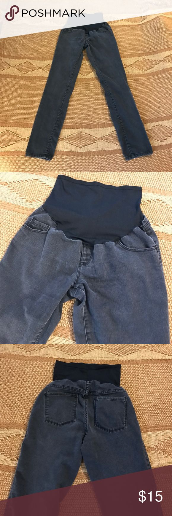Old Navy maternity jeans Dark gray jeans, black over the tummy band. Size 4. Old Navy Jeans Skinny