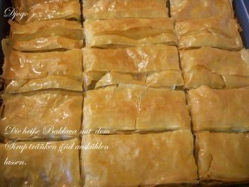 Das perfekte Baklava mit Walnüssen-Rezept mit Bild und einfacher Schritt-für-Schritt-Anleitung: Honig, Zitronensaft, Wasser und Zucker in einem Topf…