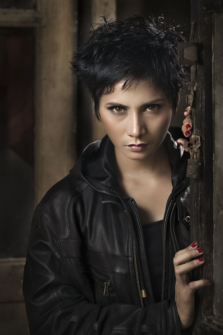 Aurore | Female portraits, Portrait, Nose ring