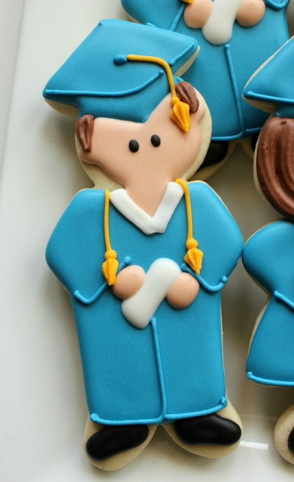www.facebook.com/cakecoachonline - sharing...Standing graduate cookie cutter