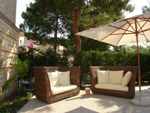 invitation to relax...pool deck! I'd like to be there (instead of working...)