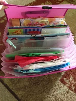 File Gift Bags And Tissue Paper Using An Expandable File Folder {plus More  Ideas For