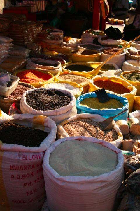 Kampala City Guide (Uganda) | http://www.yourlittleblackbook.me/kampala-city-guide-uganda/  All you need to know about Kampala! Local markets in Kampala.