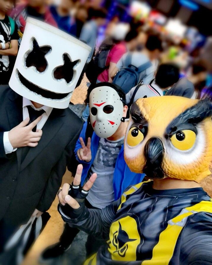 Marshmallow,delirious and vanoss Probably not the real guys