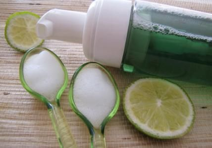 Recette : Mousse nettoyante purifiante visage Mangue & Citron vert - Aroma-Zone