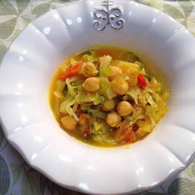 蓮村 誠さんと、青山 有紀さんの、 アユールベーダ式 毒出し完全スープの、 レシピです。 体のだるさ、むくみにいいようです。 - 20件のもぐもぐ - キャベツとヒヨコ豆のターメリックスープ by ymdkzm7UsR