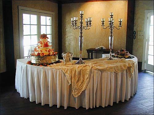 box pleated serpentine fitted tablecloth in poly premier available in 74 gorgeous colors for all