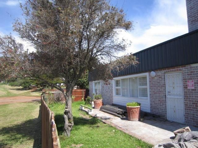 2 bedroom House for sale in Kommetjie for R 1650000 with web reference 101728192 - Jawitz Scarborough