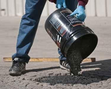 Best 25 asphalt driveway repair ideas on pinterest blacktop the next stage of your asphalt driveway repair is to pour flomix onto the solutioingenieria Images