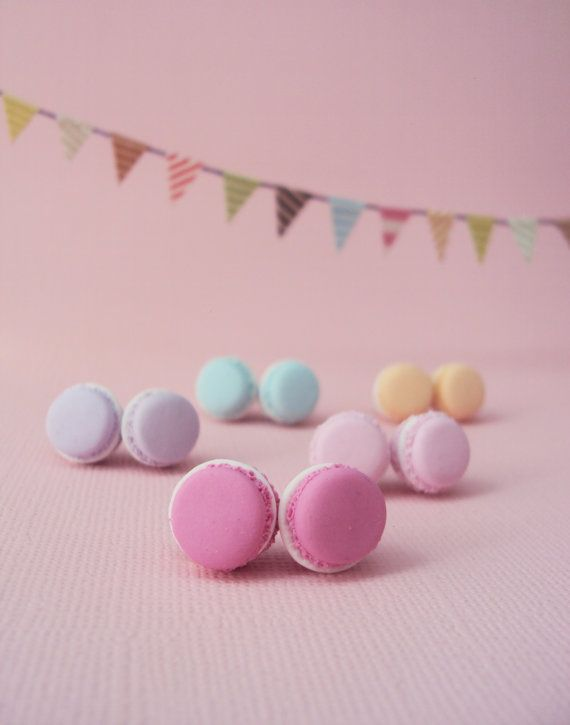 French Macaron Polymer Clay Earrings // Dessert by MyMiniMunchies