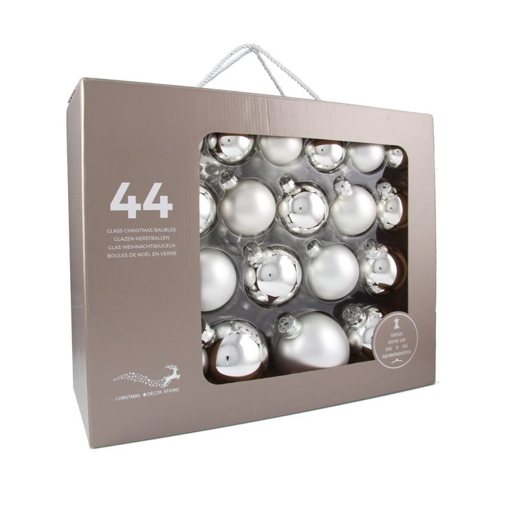 44-piece glass Christmas baubles set, matt and shiny silver assorted. The set consists of 14 baubles with a 6cm diameter, 12 baubles with a 7cm diameter, 10 baubles with an 8cm diameter, and 8 baubles with a 10cm diameter. Supplied in a handy case.