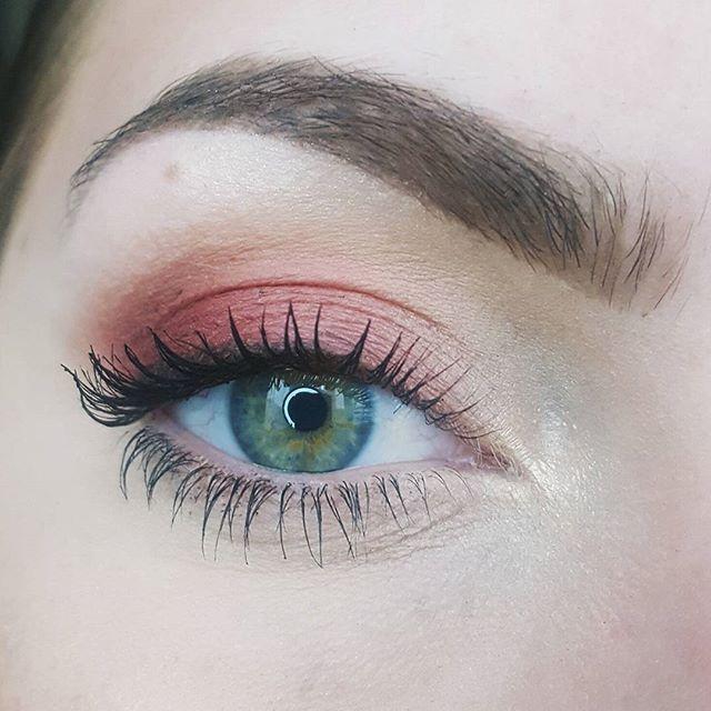 .NuR. Für das einfache Make-up von heute habe ich…