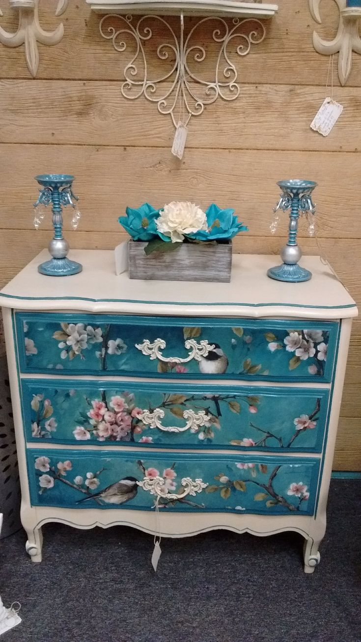 Painted French provincial dresser with painted/ de…