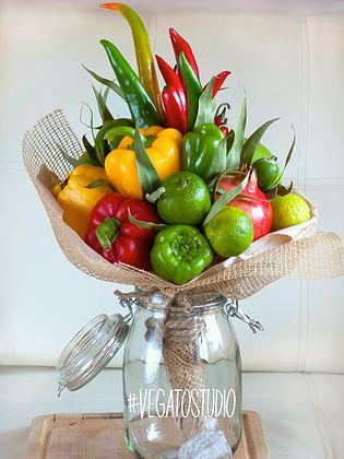 Сделать букет из целых фруктов своими руками