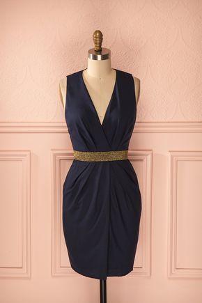 Nawal ♥ Entre la robe bleue et le fil d'or se glisse le murmure d'une antiquité…