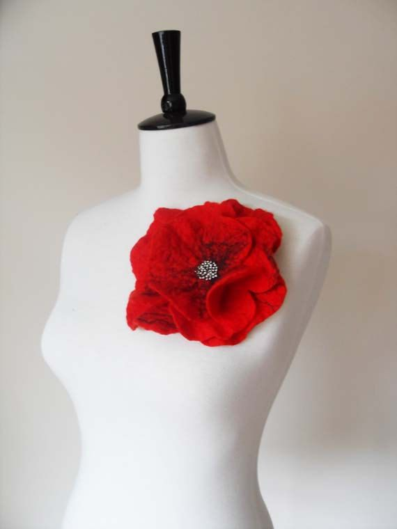 Large Felt Poppy Brooch red Felt Flower Brooch by softadditions, £16.00