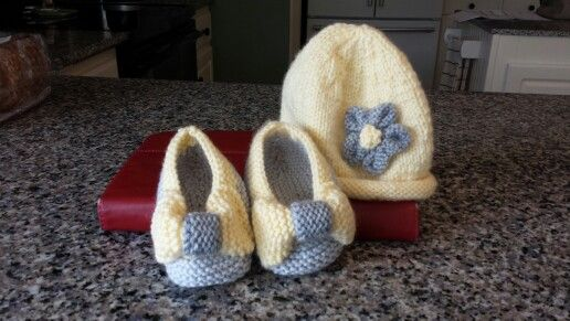 Knit booties and cap