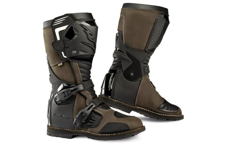 Seems like a good choice.  EICMA 2014 | Boots Falco Avantour | Dual-use