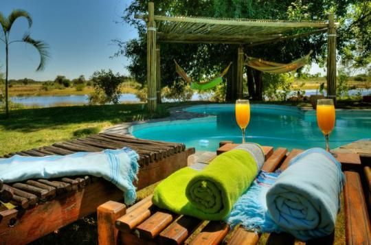 Pool area at Thamalakane River Lodge (Maun, Botswana)