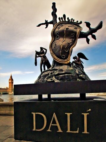 Dali statue of the melting clock on the Embankment close to the entrance to the London Aquarium.