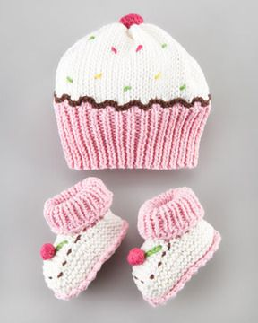 Art Walk Cupcake Hat and Booties