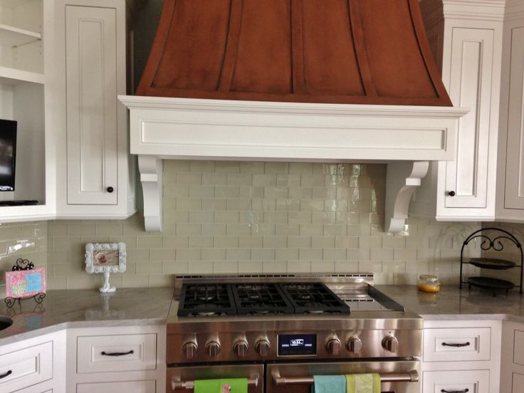Glass Subway Tiles Were Used In This Kitchen Backsplash. Simple And Modern  With No Accent Detail. Part 76