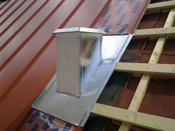 - Ereszcsatorna-rendszer készítése  - Épületbádogozás, épületlakatos munkák  http://egerkas.hu/szolgaltatas.html