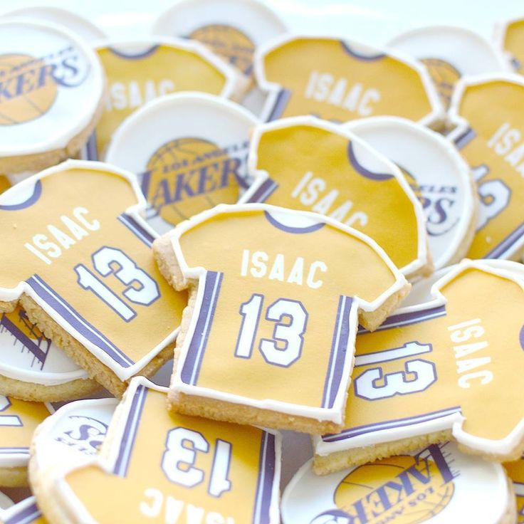 Mazal tov on your bar mitzvah Isaac! #lakersfan #basketball #sports #sportsfan #decoratedcookies #customcookies #cookies #baking #kosher #sweet #dairyfree #barmitzvah #14