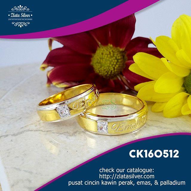 Cincin Kawin Irina Cincin kawin kombinasi 2 warna dengan ukiran nama di bagian luar cincin. Bisa jadi tanda nih kalau kamu sudah ada yang punya dan si empunya namanya terukir di cincin. eaaa  cek spesifikasi lengkapnya di: http://zlatasilver.com/cincin-kawin-irina.html  #wedding #weddingring #cincin #cincinkawin #cincintunangan #couple #cincincouple