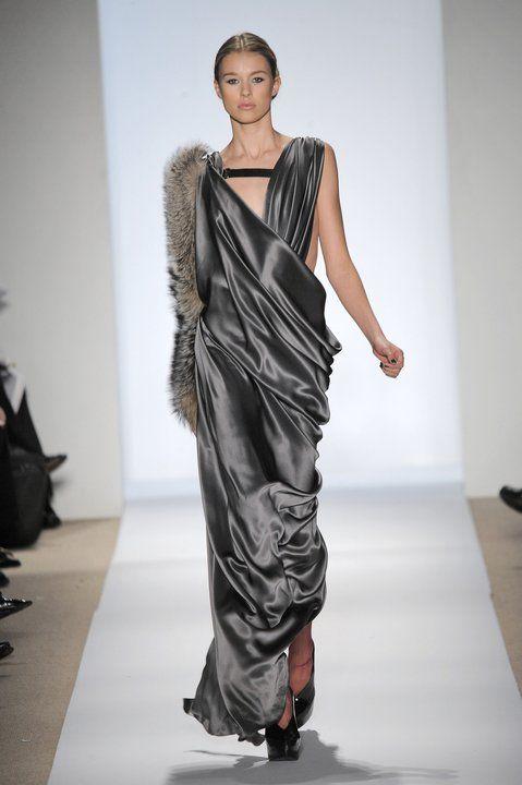Najpiękniejsze suknie wieczorowe - Projekt: Dennis Basso