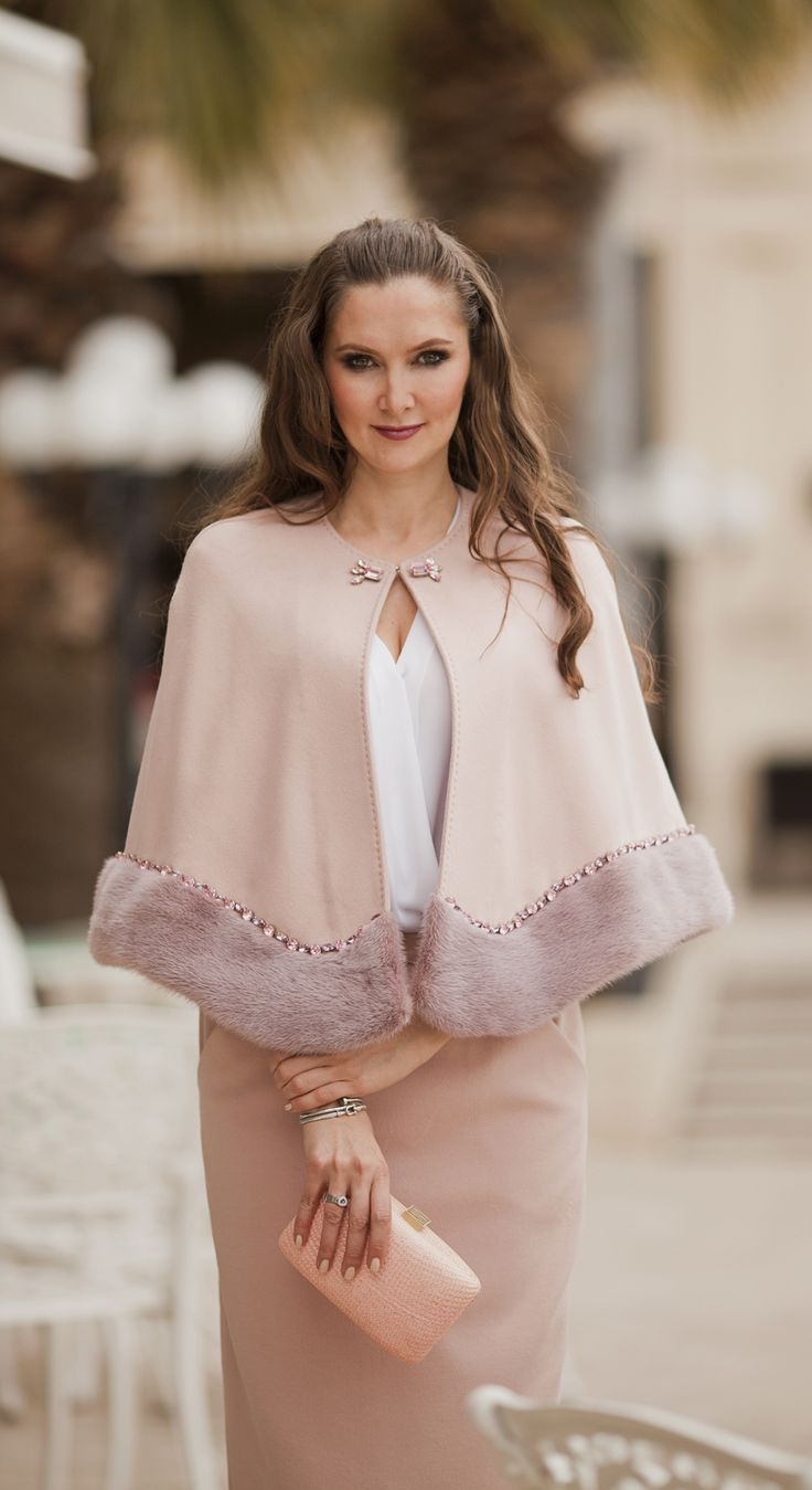 Pale pink cashmere bolero and midi skirt by #ADAMOFUR #pink #pastel #bolero #sprint #look #ootd #fashion #streetstyle #inspiration #furstyle