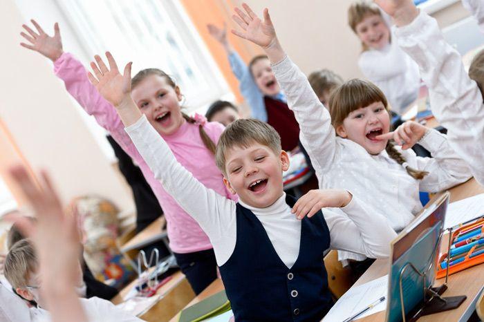 Фотосъёмка детей в школе для выпускных дипломов. Как побудить детей к активности на уроках.